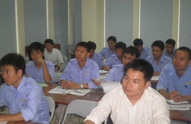 Lớp bồi dưỡng kiến thức cho nhân viên Việt Thiên
