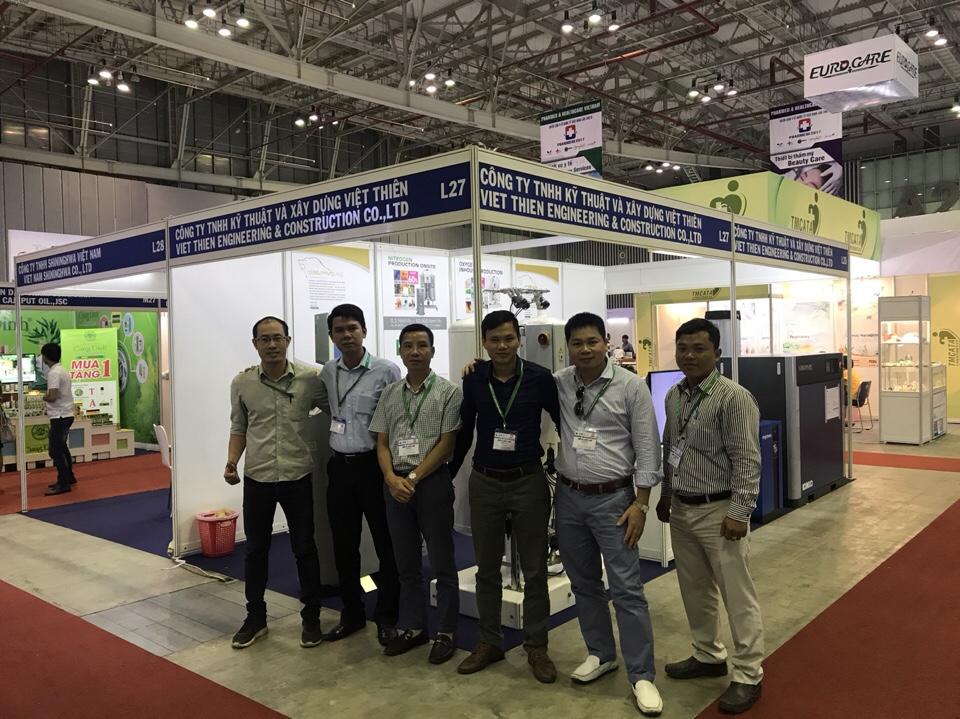 Đội ngũ công nhân viên của Kobelco Compressor Việt Thiên tại TPHCM